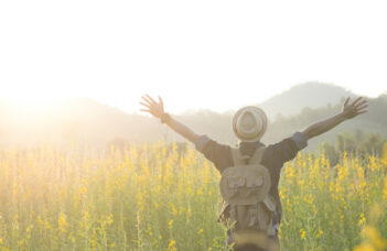 5 consejos para ahorrar dinero cuando se viaja al aire libre